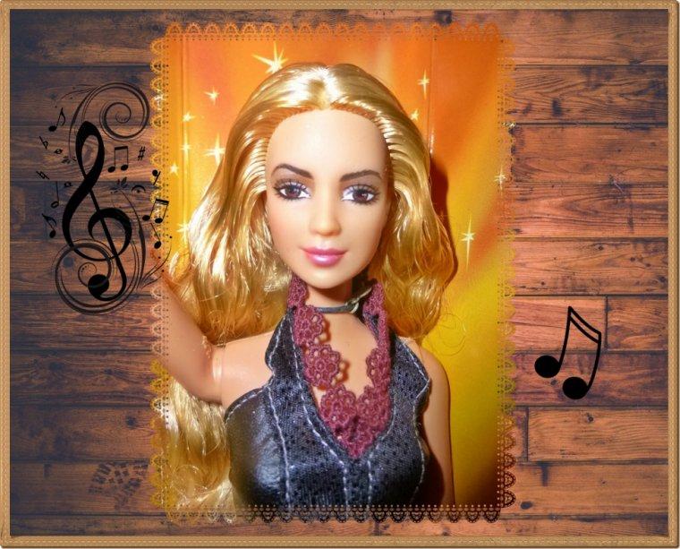 Les chanteurs et chanteuses...en poupées !
