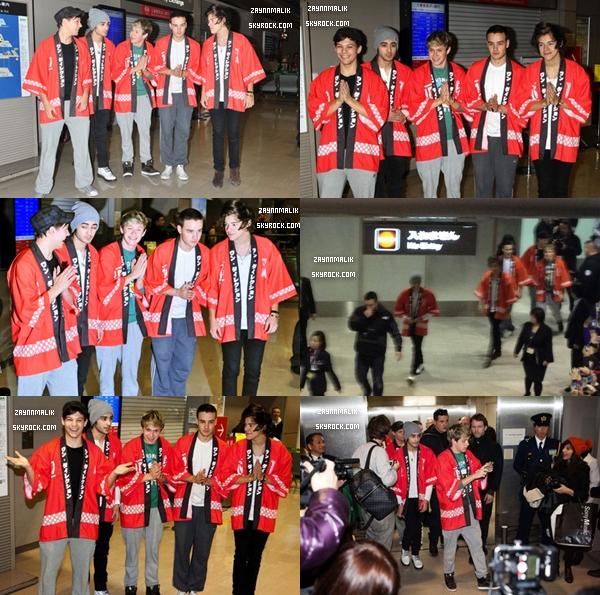 16 Janvier 2013 -  Zayn a été aperçu arrivant  à l'aéroport de Tokyo, au Japon.  Il  a été de nouveau  aperçu ce matin même faisant du shopping à Harajuku toujours au Japon , le 17 Janvier 2013.