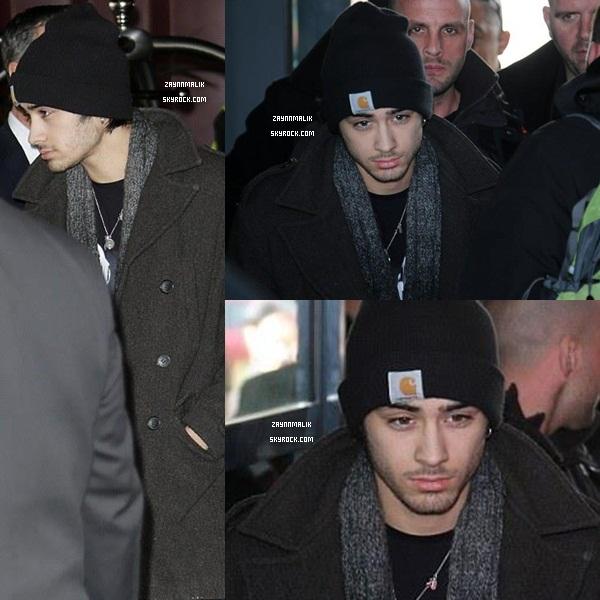 26 Janvier 2013 - Zayn arrivant à l'aéroport de Nice, en  France.