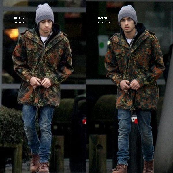 10 Février  2013 - Zayn aperçu dans le Hertfordshire, Royaume-Uni.