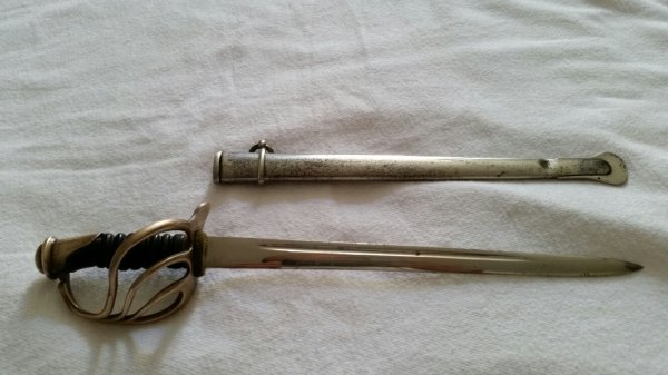 Superbe mini sabre 1882  d époque  ( coupe  papiers   ) je pance