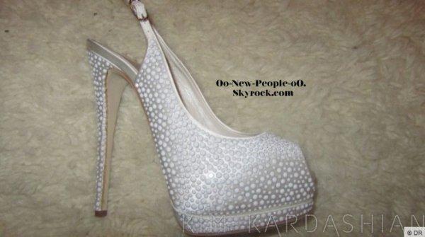 31.08.2011 - Photos : Kim Kardashian : découvrez ses merveilleuses chaussures de mariée !