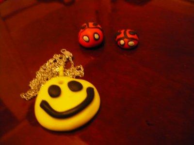 smiley :D et coccinelles en pate fimo