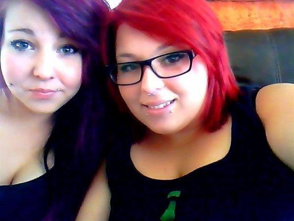 salut jai les cheveux mauve et ma soeur a les cheveux rose :3