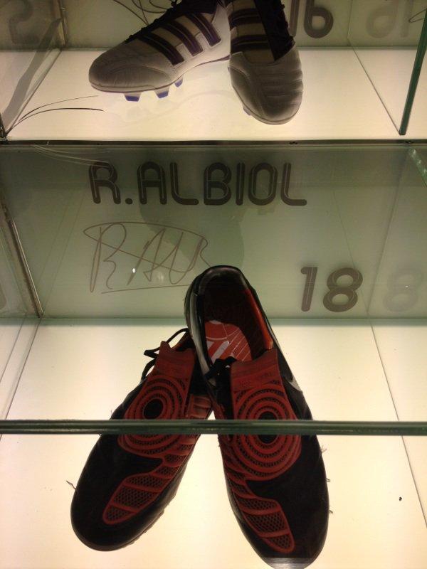 chaussure de RAUL ALBIOL 18