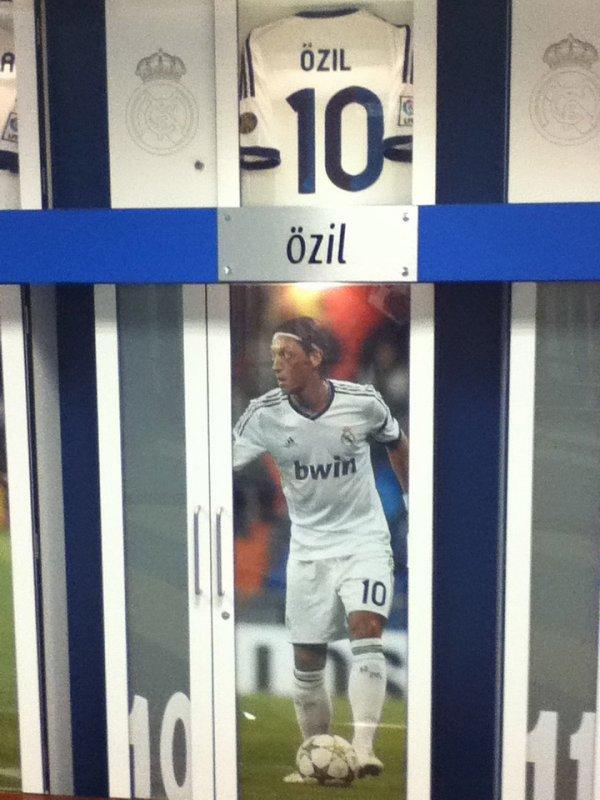 Mesut Özil 10