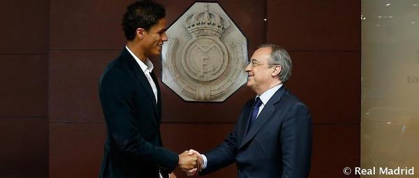 Raphaël Varane prolonge jusqu'en 2020 au Real Madrid