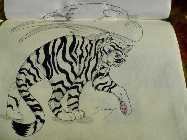 Sinistra en tigresse blanche géante ailée à dents de sabre
