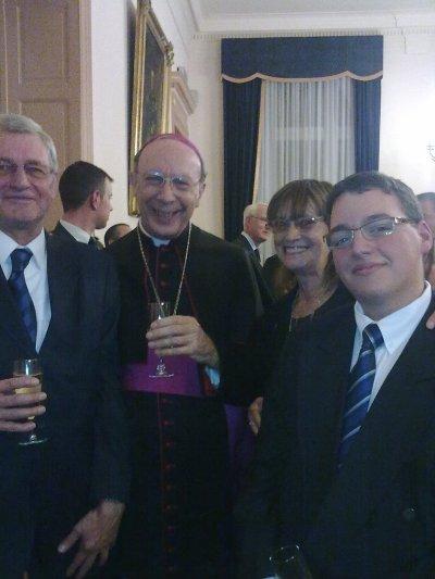 Evêque aux Armées  pour Monseigneur Léonard le 30-10-2010