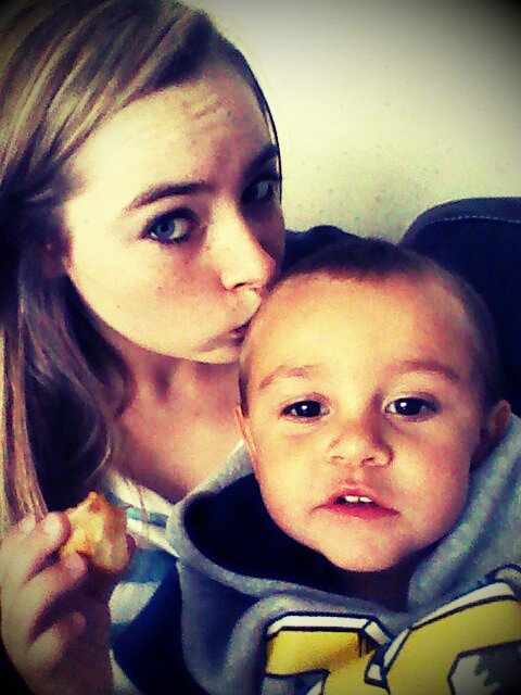 Mn Doudouuu D'amours & Mn Petit Beau Frere.. :) <3