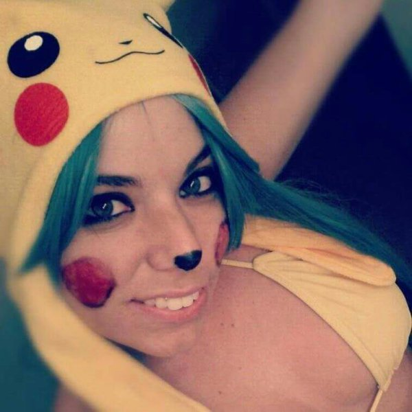 1er post: en mode Pikachu!!!