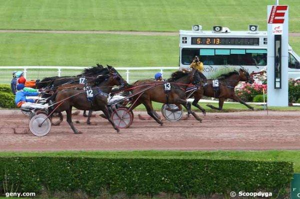 résultat de enghien ceci: 15  11 12 14 17 - demain le prix de diane avec 16 chevaux  départ à16h15