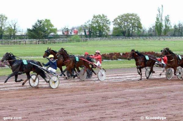 mercredi 5 avril 2017 angers quinté trot attelé 18 chevaux choix  7 11 1 4 17.arrivée 17 7 5 11 15