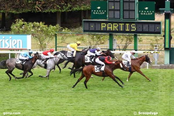 ce dimanche 2 juillet 2017 saint cloud 1600 mètres avec 18 chevaux mon choix  10 18 11 2 8....arrivée 18 3 8 15 7