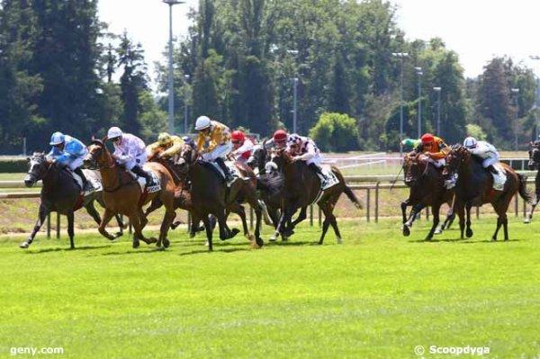 mardi  18 juillet  2017  -  vichy plat 18 chevaux mon choix 2 10 9 13 8 .....arrivée 13 4 3 7 10