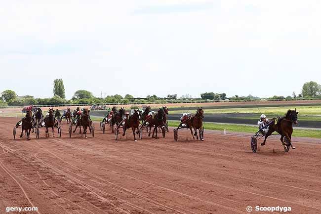 mercredi 22 mai 2019 la capelle trot attelé gnt 18 chevaux mon choix 7 8 4 .....