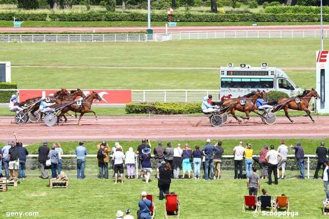 samedi 15 juin 2019 - enghien trot attelé - 14 chevaux   arrivée 12  13  5  7  2