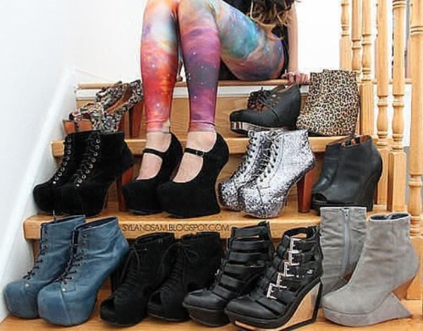 Les semelles sur les chaussures de Tini, toute une histoire