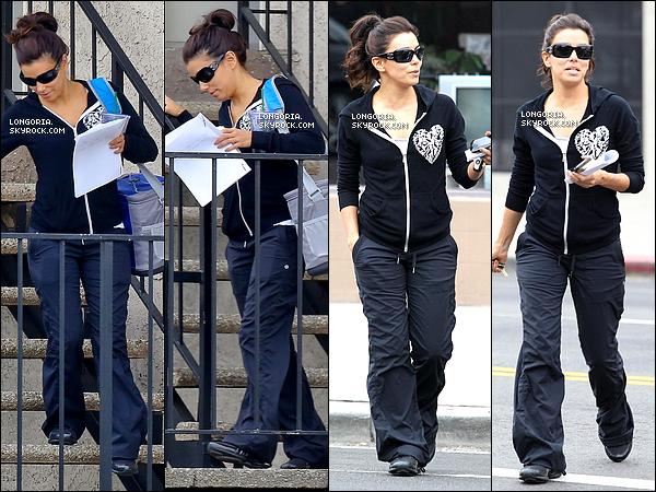 .23/01/13 : Eva Longoria à été vue quittant une salle de fitness puis allant à  « Superfine Picture Company »..
