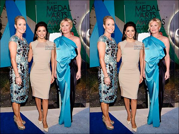 .05/03/13 : Eva Longoria était présente au  « Texas Medal Of Arts Awards » où elle y a gagnée une médaille..