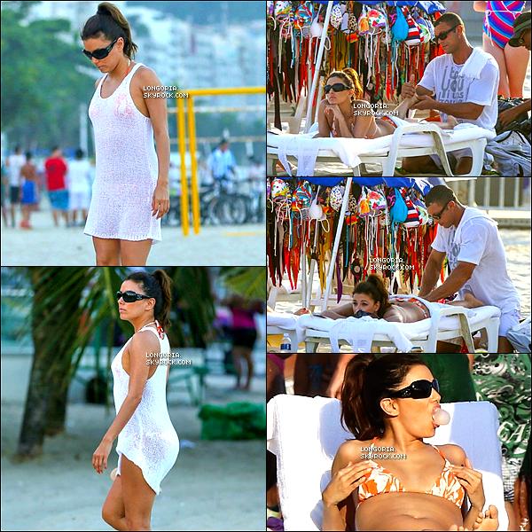 .10/03/13 : E. s'est balader avec quelques amis pour ensuite aller se détendre sur la plage de Cobacabana. (Rio).
