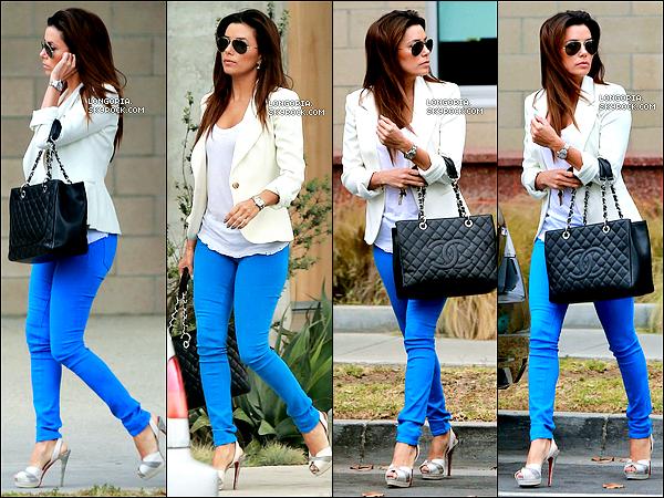 .24/04/13 : Eva.L a été aperçue dans Santa Monica où elle y a rejoind quelques amis..