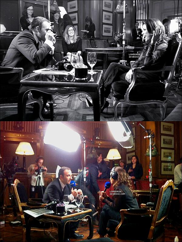 .13/05/13 : Eva Longoria quittant son hôtel « George V » pour se rendre sur le plateau du « Grand 8 » à Paris..