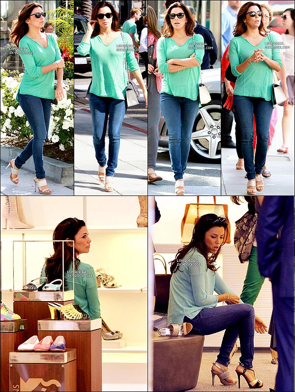 .23/05/13 : Eva Longoria a été aperçue se rendant au « The 101 Coffee Shop  » pour un petit déjeuner entre amis..