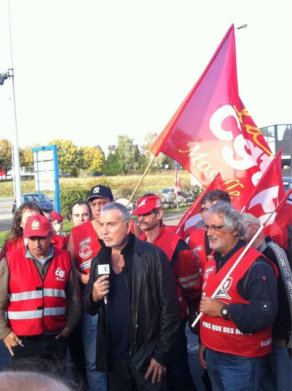 bernard lavilliers aujourd'hui 18 oct 2012 sur le site arcelormittal lorraine en soutien aux ouvriers