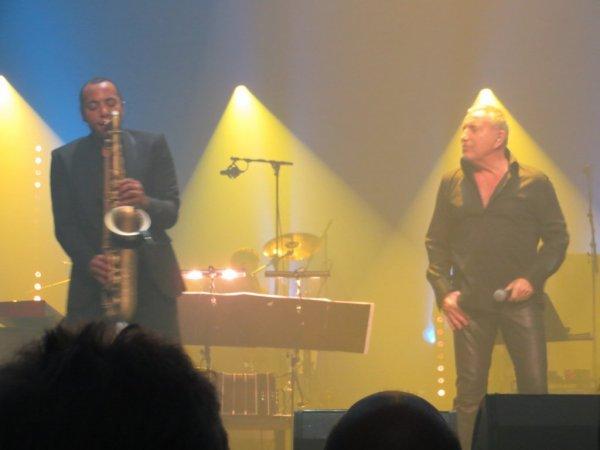 """merci a toi"""" tanguy"""" pour tes videos et photos du châtelet concert bernard lavilliers c'est le top !!!!!!!! ;)"""