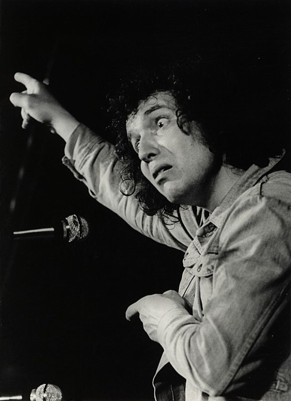 bernard lavilliers en concert y a quelque temps.....1975