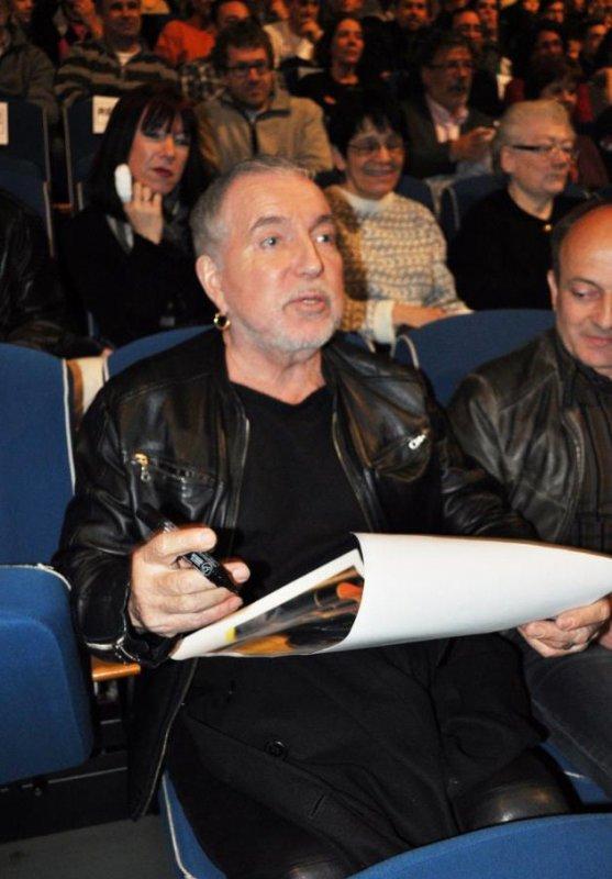bernard lavilliers petite interview sur la radio france bleue pour son déplacement a florange le 10/04/2013