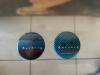 deux badges de 1981