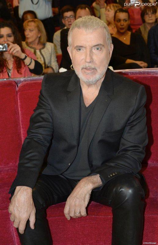 Bernard Lavilliers sur le plateau de Vivement dimanche (enregistrée le 12/12/2013). Diffusion prévue sur France 2 le dimanche 5 janvier 2014.