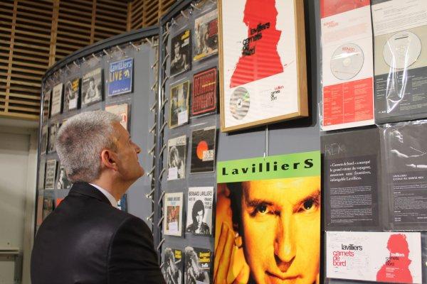 vernissage et présentation de françois schotte des tableaux et de la collection a mr le député Olivier Falorni ( expo bernard  lavilliers )