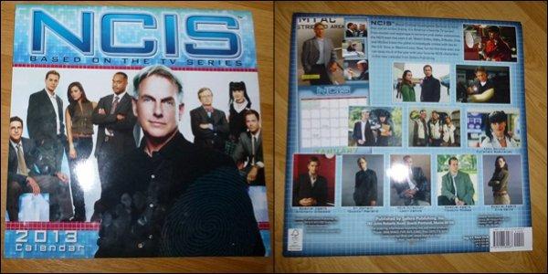 """Voici, le cadeau que mon parrain m'a rapporté de Washington pour mon anniv' la semaine dernière : un calendrier 2013 """"NCIS"""" qui vient tout droit des États-Unis !!!  ♥♥♥"""