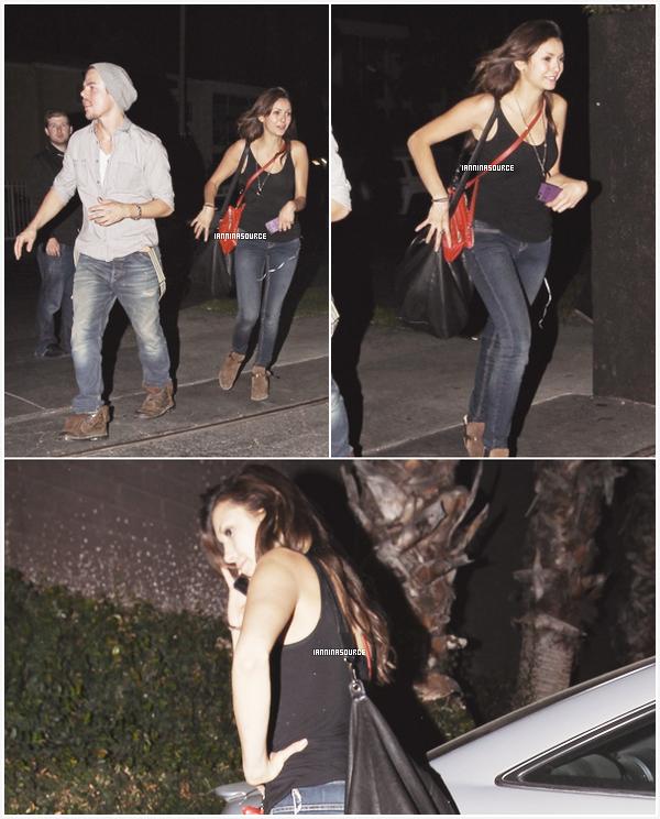 . Toujours le05 octobre 2013, Nina et son petit-ami Derek Hough avaient rendez-vous. .