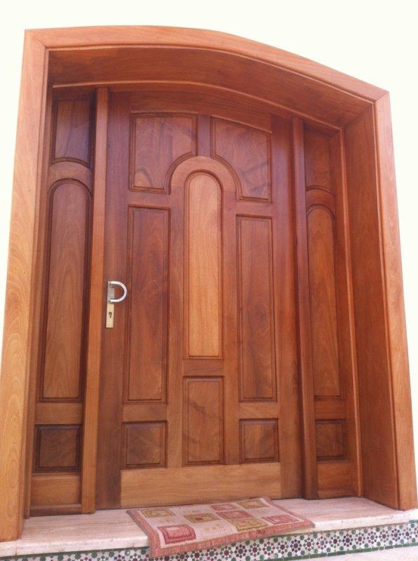 Porte d entre pour villa en bois massif blog de osnibois for Porte journaux en bois