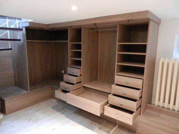 dressing en bois massif blog de osnibois. Black Bedroom Furniture Sets. Home Design Ideas