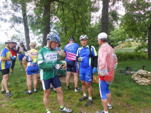 """Rando vélo """"Route des fromages de Brie"""", à Savigny-le-Temple (8/06/2014)"""
