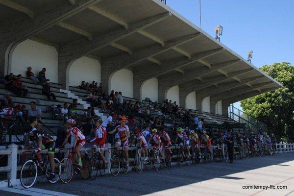 Classement complet Villemur(31).Vélodrome.Championnat Midi-Pyrénées de Scratch Cadets. Jeudi 5 mai 2016