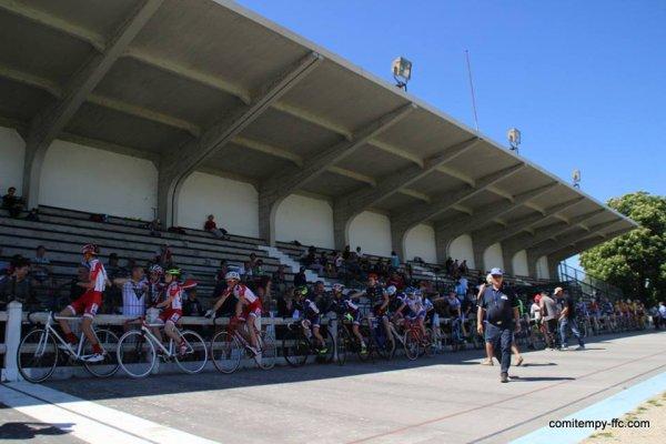 Classement complet Villemur(31).Vélodrome.Championnat Midi-Pyrénées de Scratch Minimes. Jeudi 5 mai 2016
