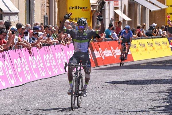 Senigallia(Italie).Baby Giro d'Italia UCI 2.2U.5°a étape Osima - Senigallia  87.2 km. Mardi 13 juin 2017
