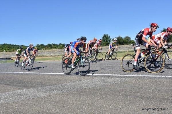 Nogaro (32).Circuit automobile.Trophée Luis Ocana / Route du Sud Cadets La Dépêche du Midi 56km. Dimanche 18 juin 2017