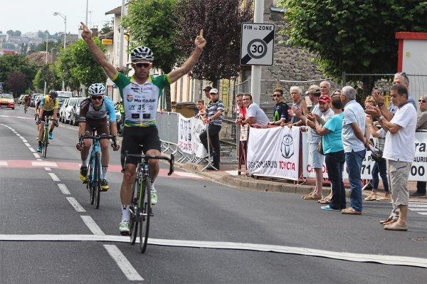 Arpajon-sur-Cère(15).12e Tour Cycliste de la CABA.1° étape Arpajon-sur-Cère - Arpajon-sur-Cère 136,5 km.1.2.3.J. Samedi 24 Juin 2017
