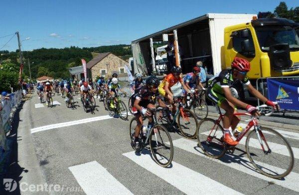 Le Populaire du Centre.Cyclisme Finale GSO cadets, hier, à Châteauneuf-la-Forêt