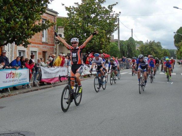 Casteljaloux(47).Tour des Coteaux et Landes de Gascogne UFOLEP.1° étape Casteljaloux-Casteljaloux 96,400 km.Samedi 1 Juillet 2017