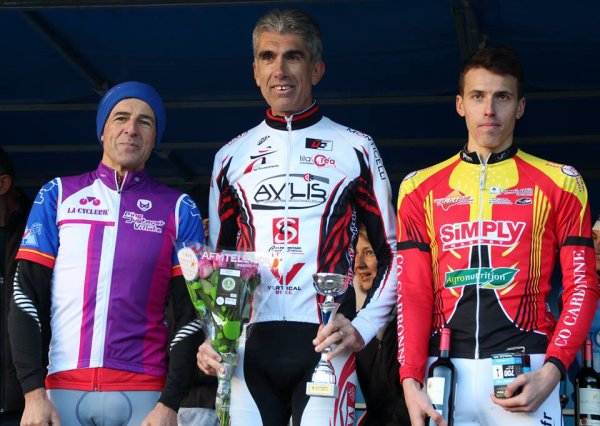 Rieumes(31).Cyclo Cross Ancienne Arènes route de St- Lys Rieumes.FSGT Toutes, NON LICENCIE. Dimanche 03 décembre 2017