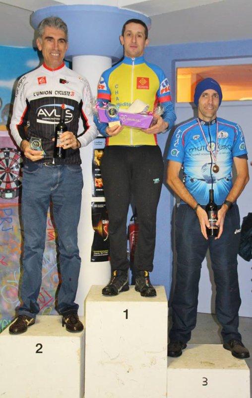 Carbonne(31).Championnat de cyclo-cross Pyrénées-Occitanie FSGT.Sénior,Vétéran,Espoir,Super Vétéran,Ancien,Junior,Cadet,Minimes,Féminine.Dimanche 10 décembre 2017