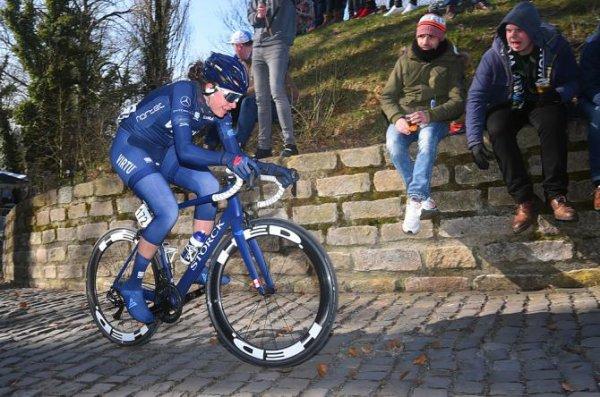 Gand(Bel).Omloop Het Nieuwsblad Dames UCI WE 1.1.Gand - Meerbeke 122.1 km.Samedi 24 février 2018